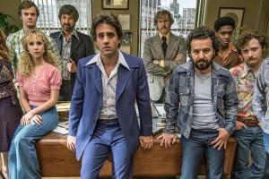L'équipe du label American Century emmenée par Richie Finestra au centre. (© Tv Guide)
